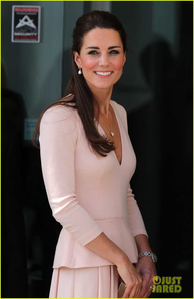 kate middleton prince william hit the dj booth 12