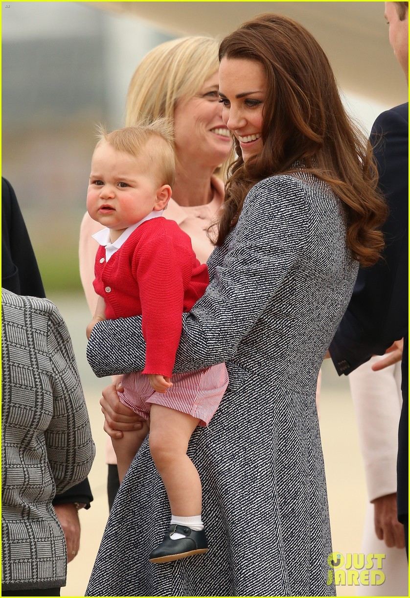 kate middleton prince william prince george say goodbye to australia 043098850