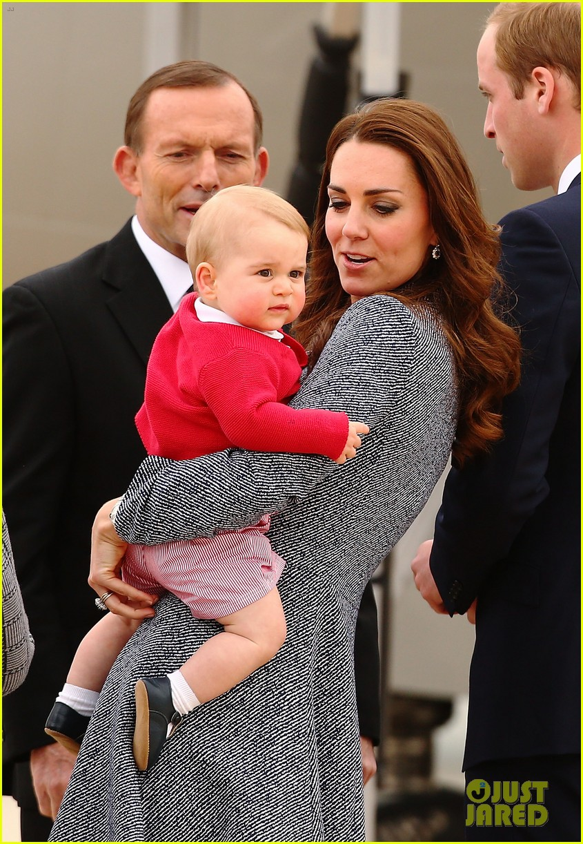 kate middleton prince william prince george say goodbye to australia 42