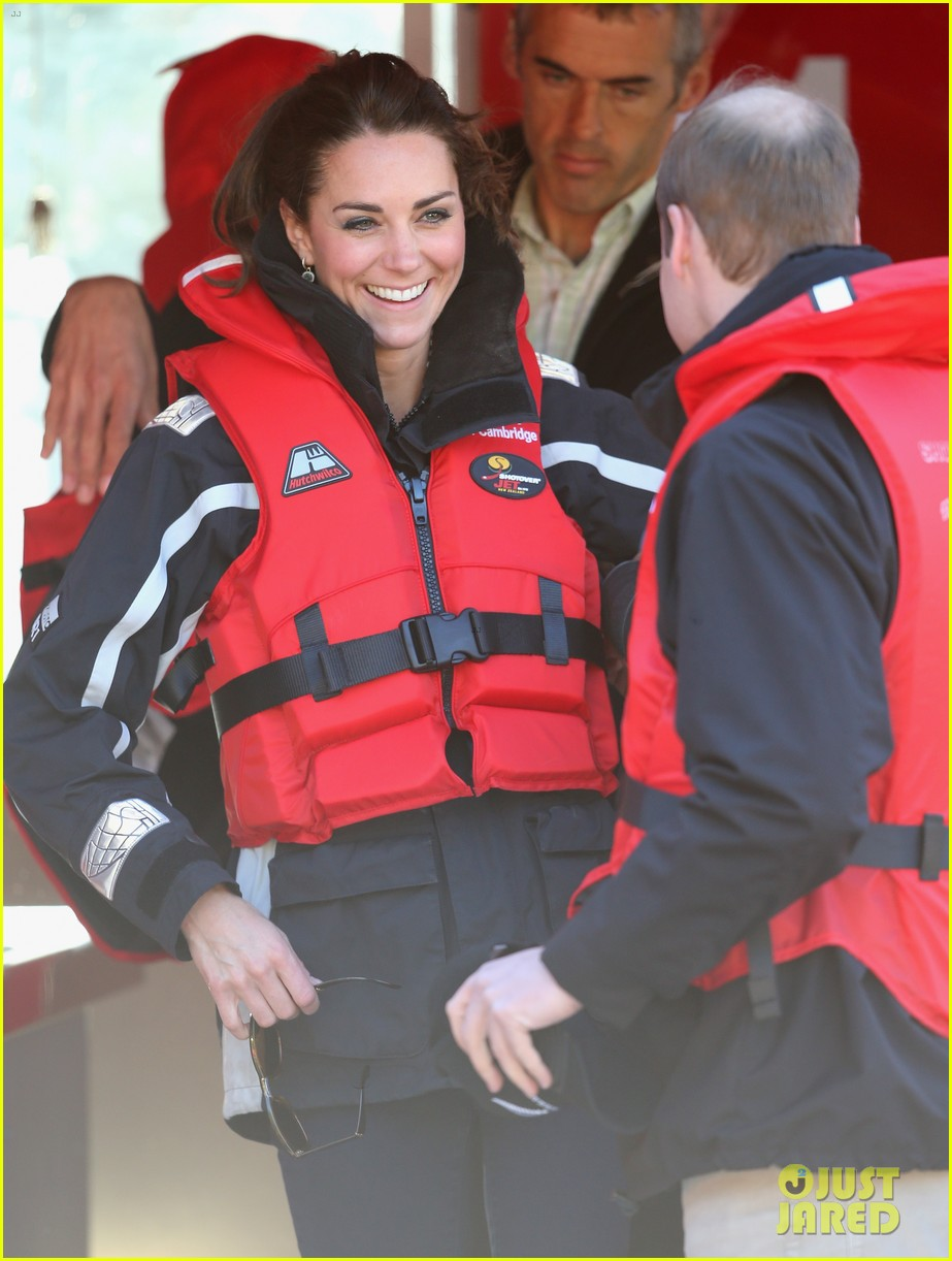 kate middleton prince william speed boat ride 163090402