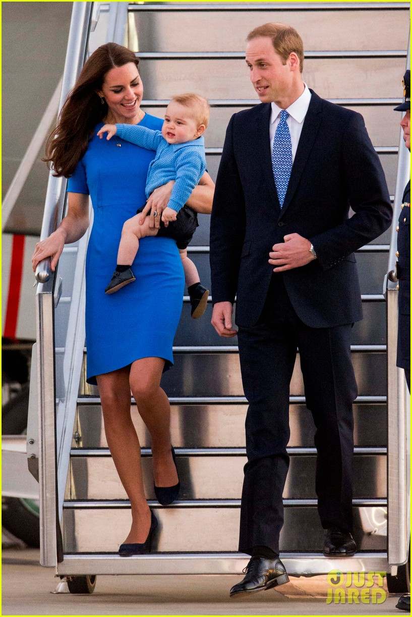 kate middleton wears third gorgeous dress on easter sunday 223095872