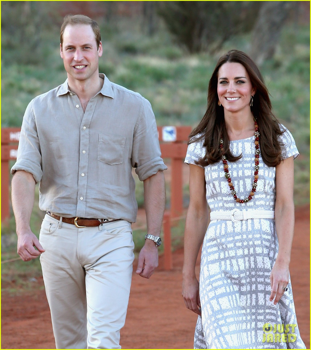 kate middleton dazzles in two dresses during visit to uluru with prince george 13