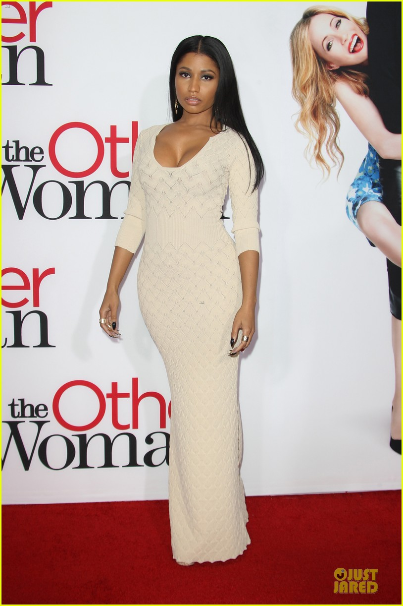 nicky minaj bootylicious at the other woman premiere 15