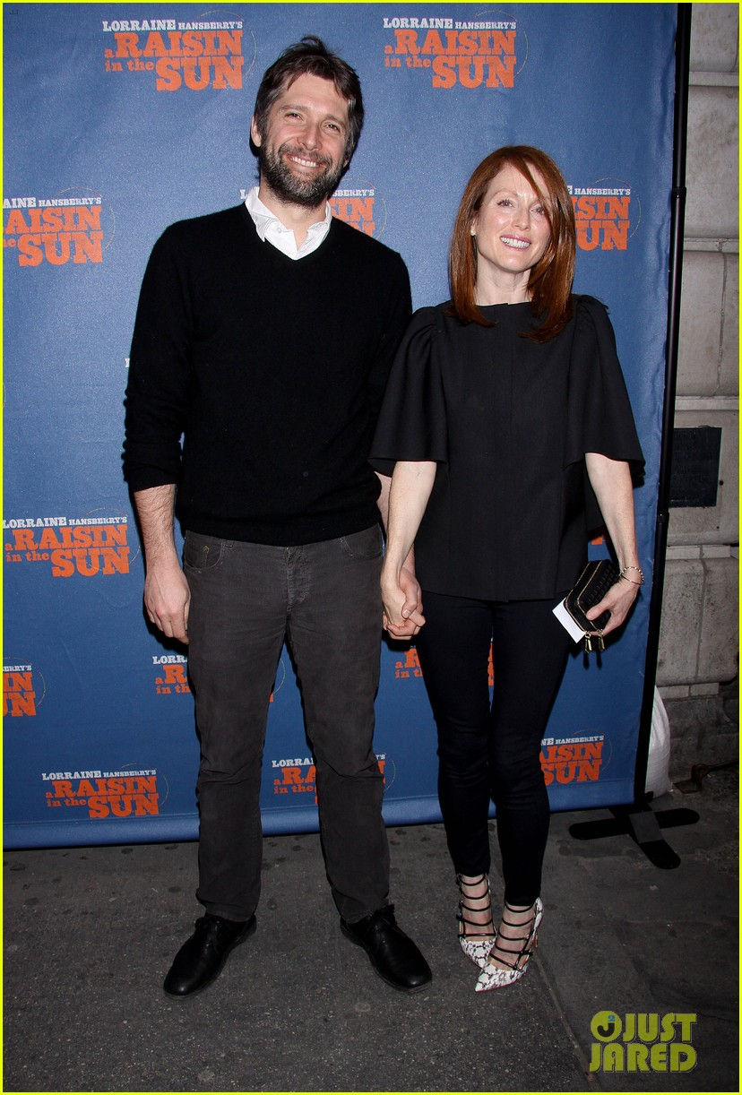 julianne moore husband bart freundlich broadway date night 013084336
