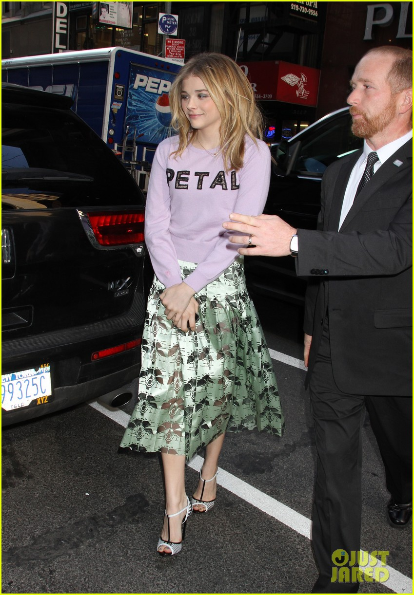 chloe moretz pretty as a petal for today show appearance 05