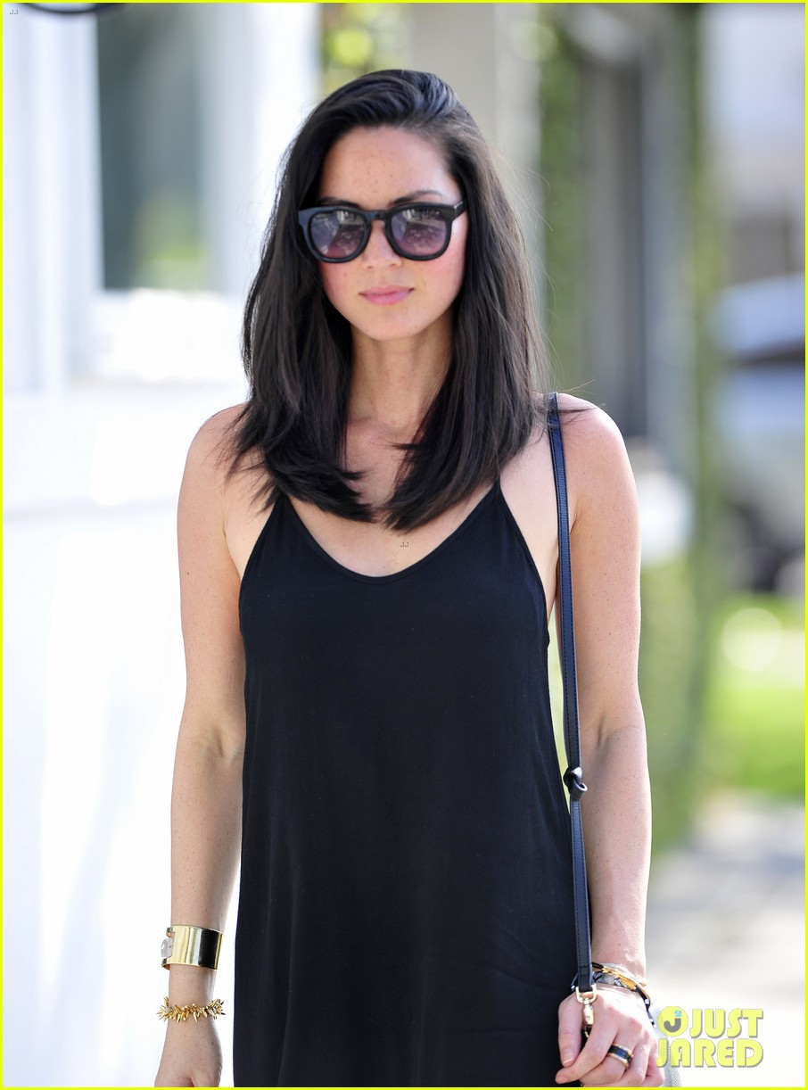 olivia munn insisted her newsroom character not wear turtlenecks 043098482