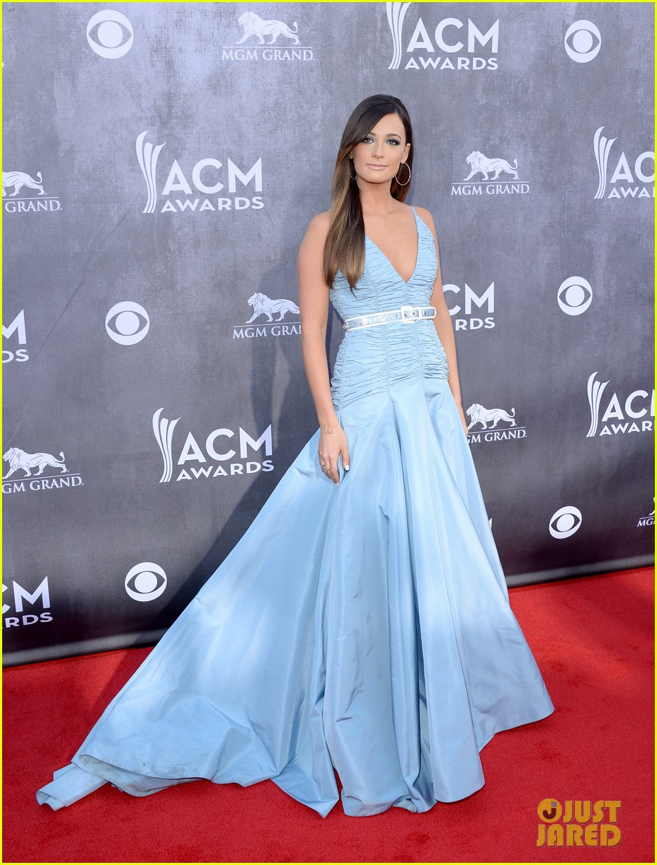 kacey musgraves acm awards 2014 red carpet 01