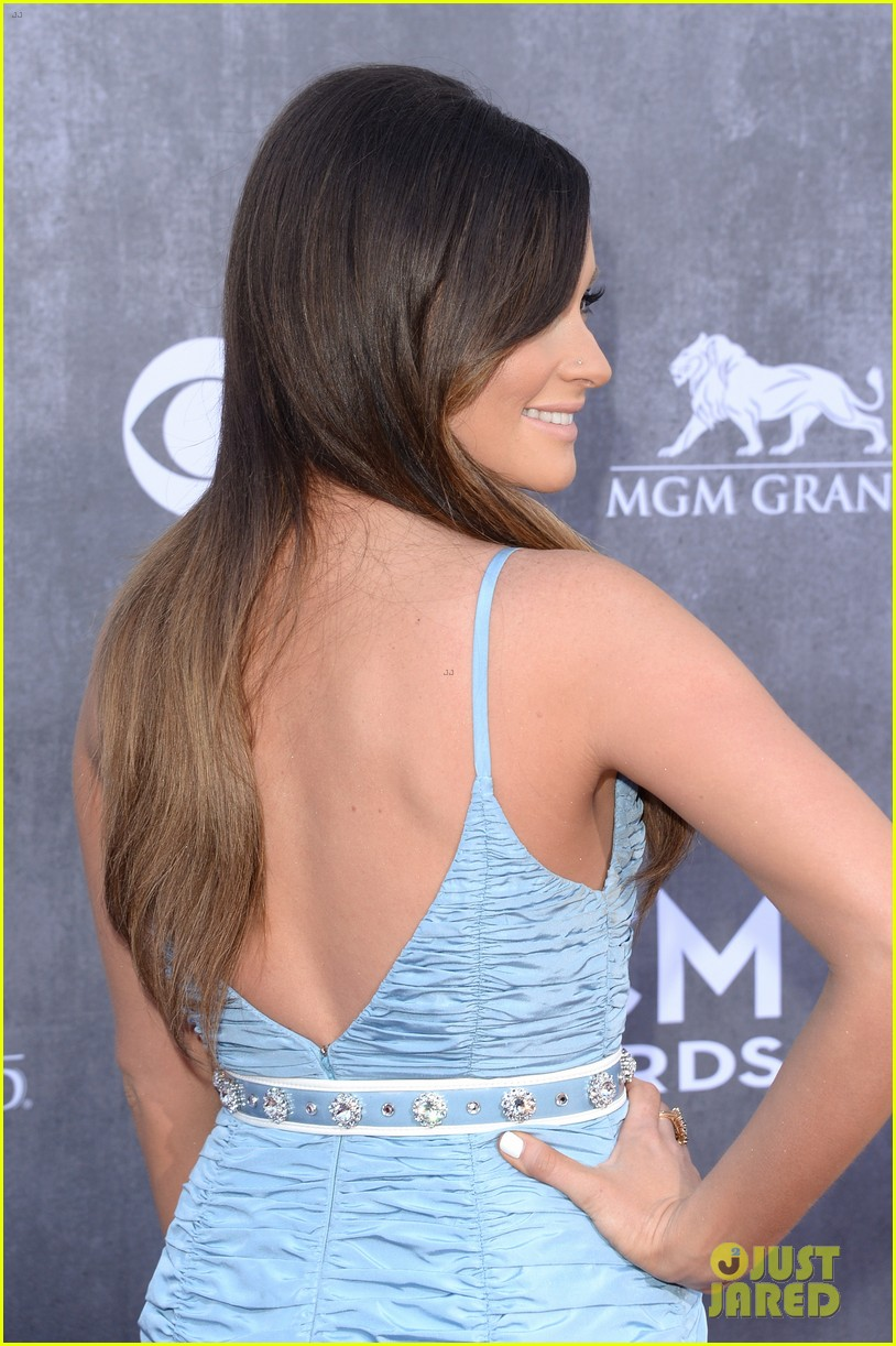 kacey musgraves acm awards 2014 red carpet 02