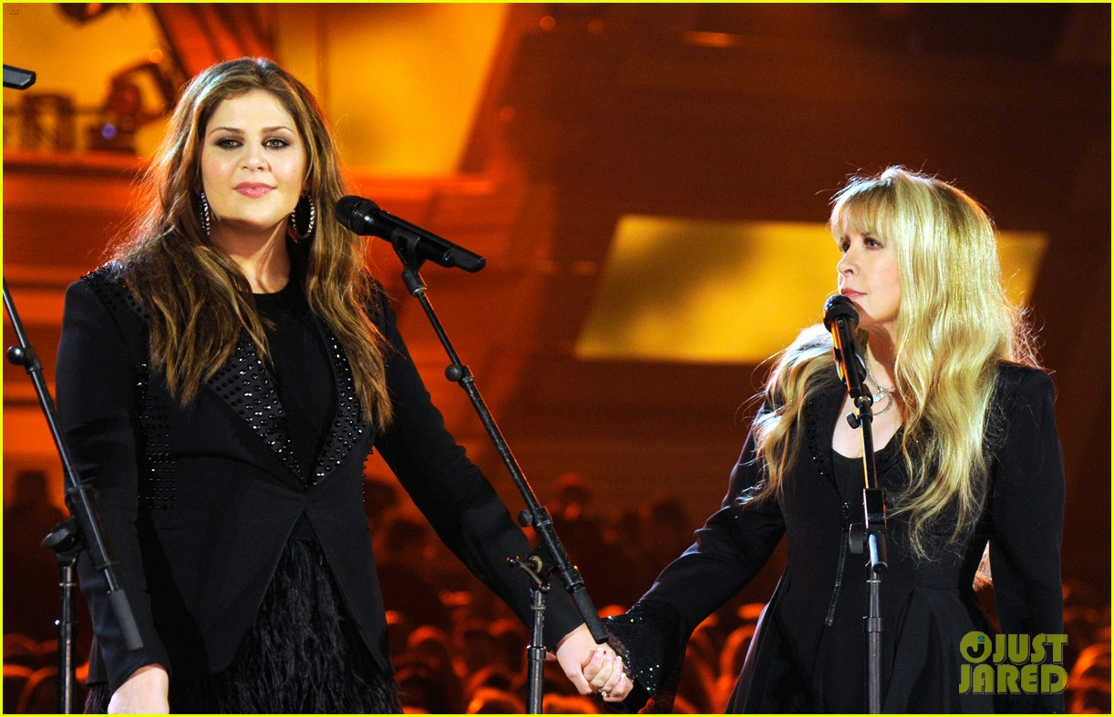stevie nicks lady antebellum perform together acm awards 2014 01