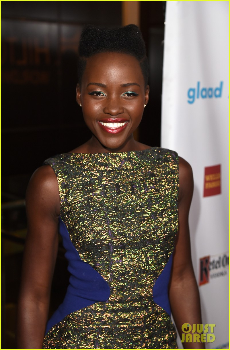 lupita nyongo attends first awards show since the oscars 09