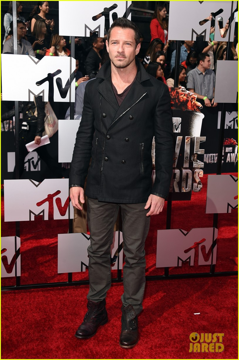 dylan obrien tyler hoechlin mtv movie awards 2014 093091126