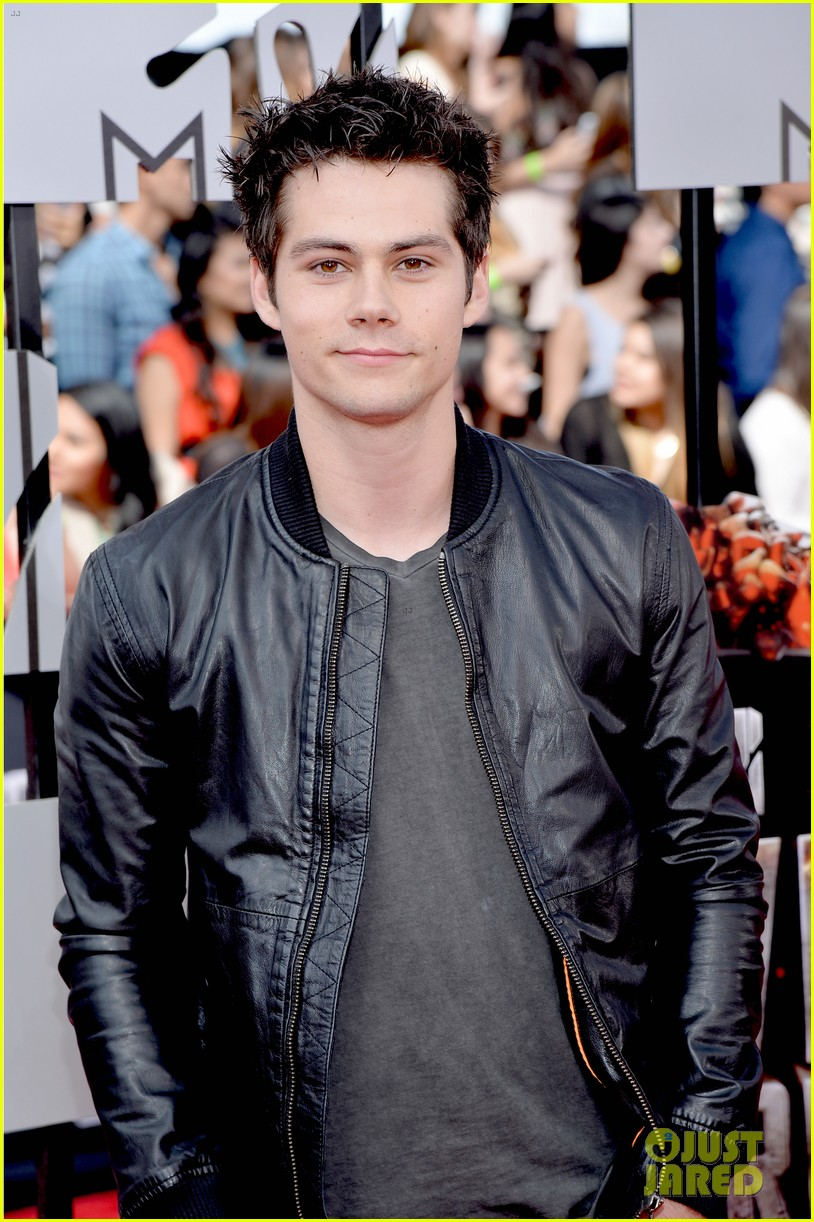 dylan obrien tyler hoechlin mtv movie awards 2014 103091127