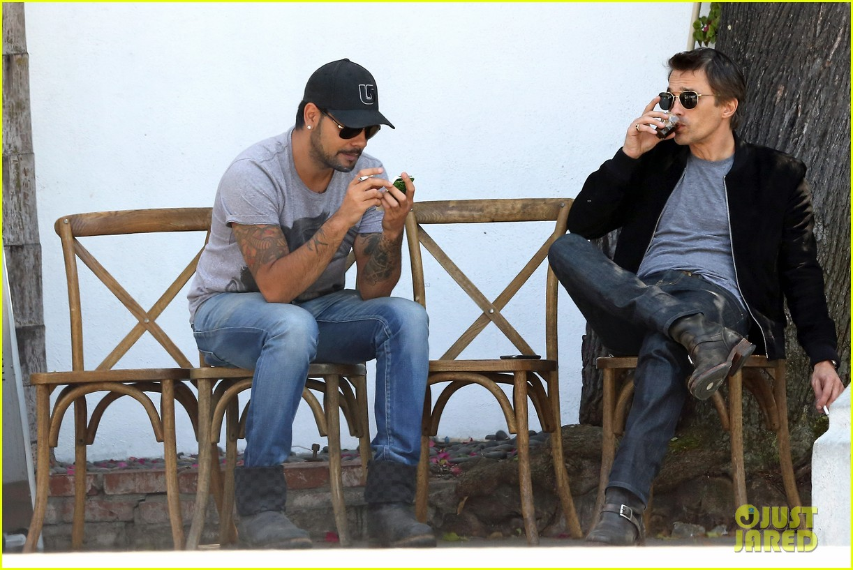 olivier martinez gets in some guy time with eduardo cruz 053093333