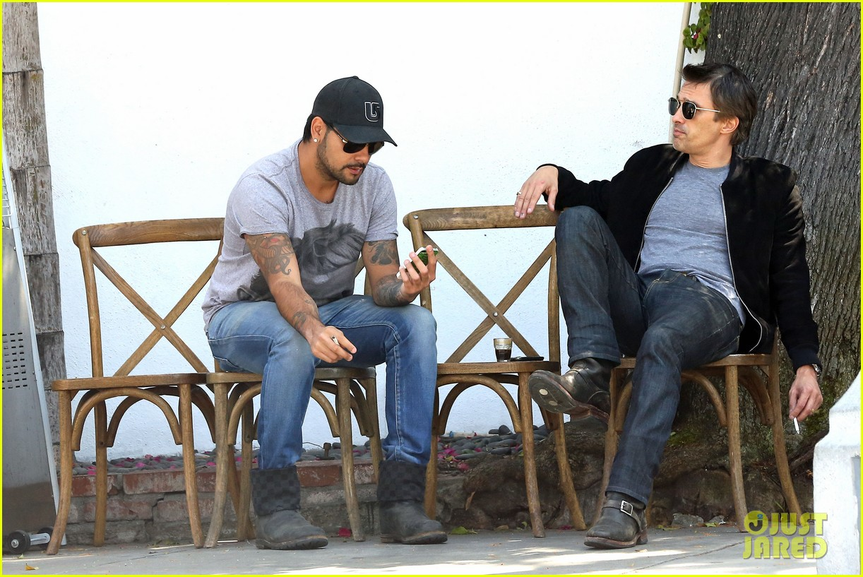 olivier martinez gets in some guy time with eduardo cruz 10