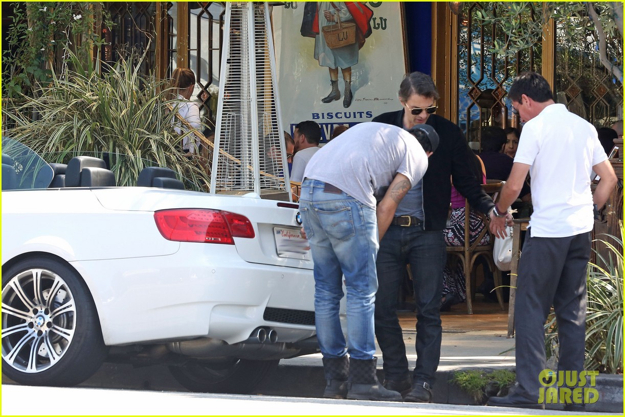 olivier martinez gets in some guy time with eduardo cruz 15