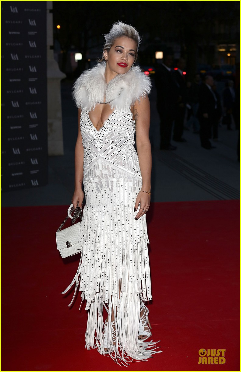 rita ora frills at glamour of fashion exhibition 06
