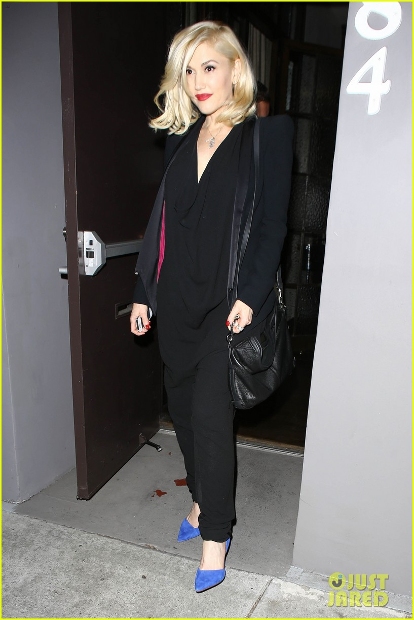 gwyneth paltrow meets up with gwen stefani nicole richie at crossroads for dinner 083094489