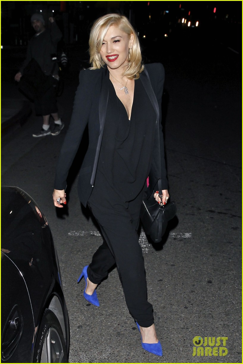 gwyneth paltrow meets up with gwen stefani nicole richie at crossroads for dinner 17