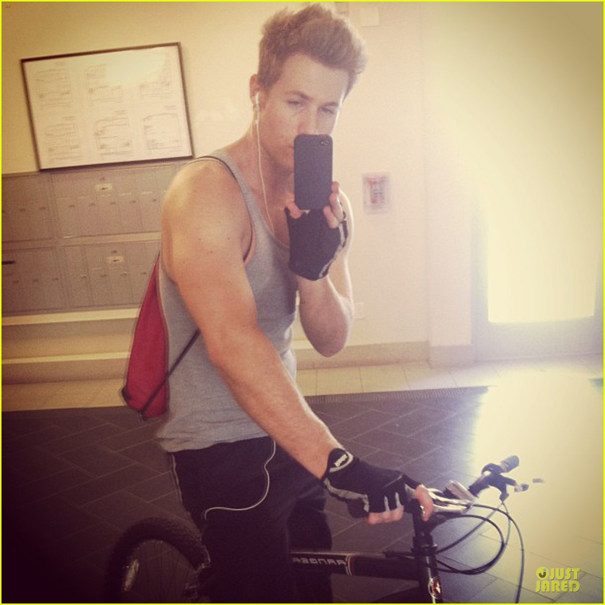 ashley parker angel up to these days 033082602