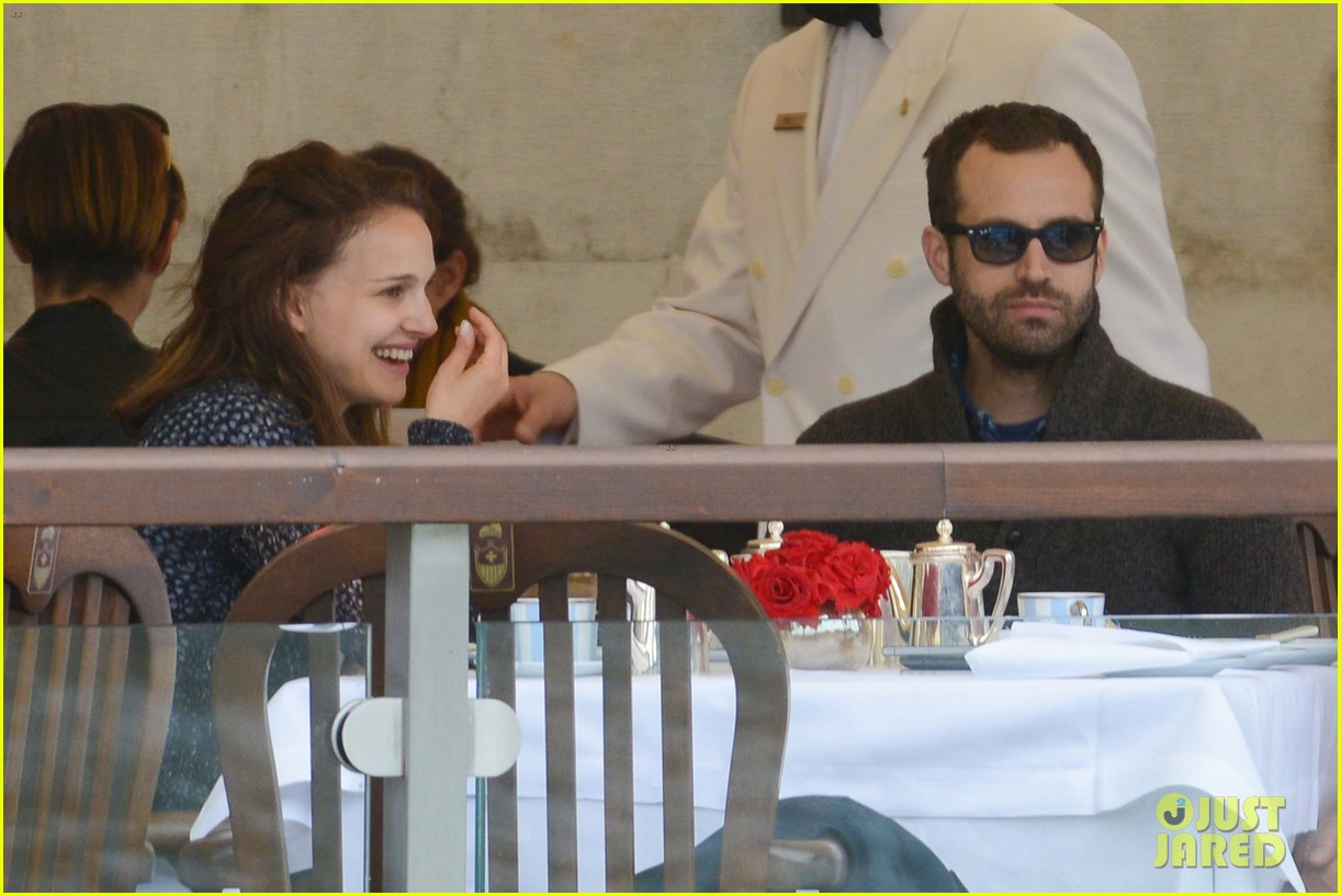 natalie portman benjamin millepied romantic vacation venice 02