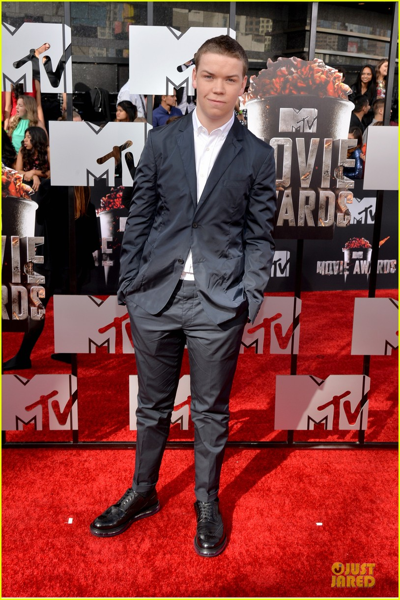 will poulter wins mtv movie awards 2014 013091159