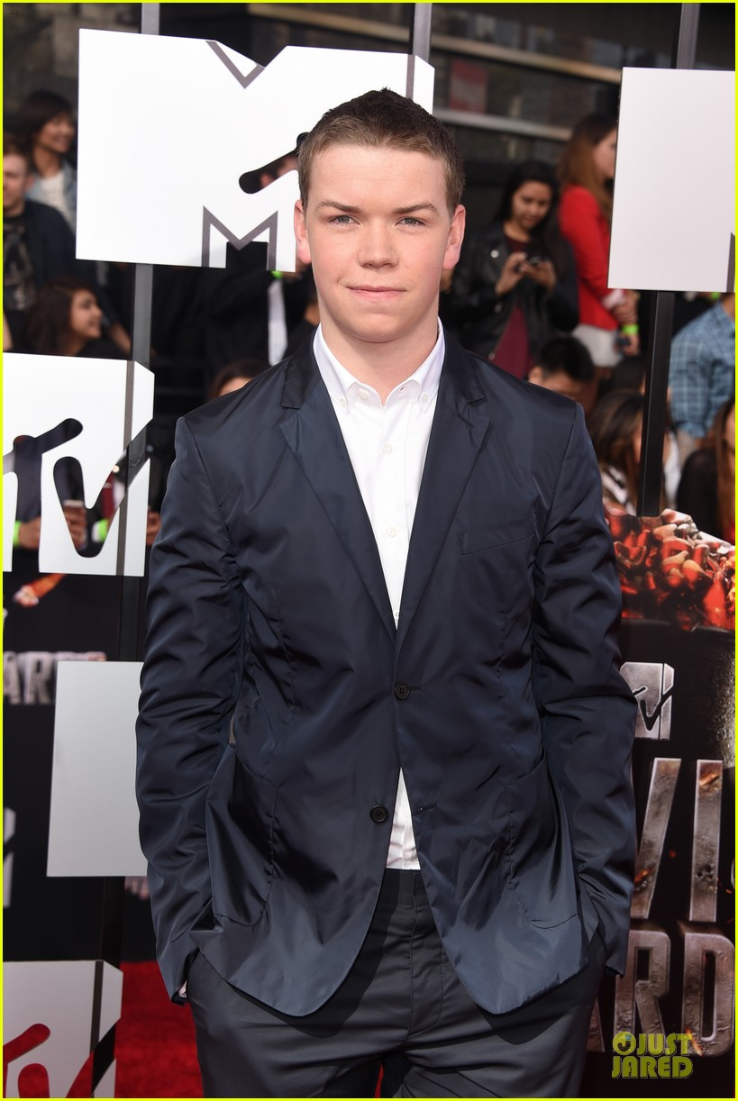 will poulter wins mtv movie awards 2014 023091160