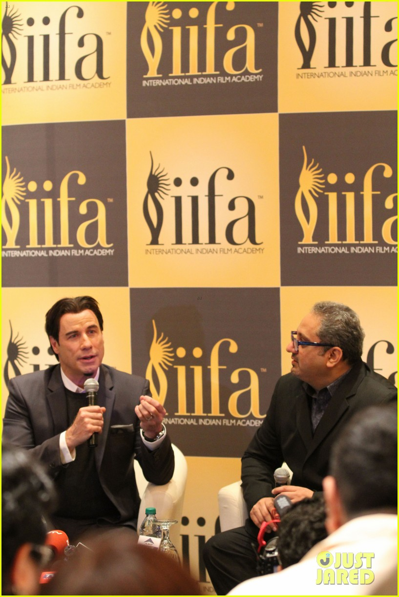 priyanka chopra kevin spacey iifa awards john travolta 103100284