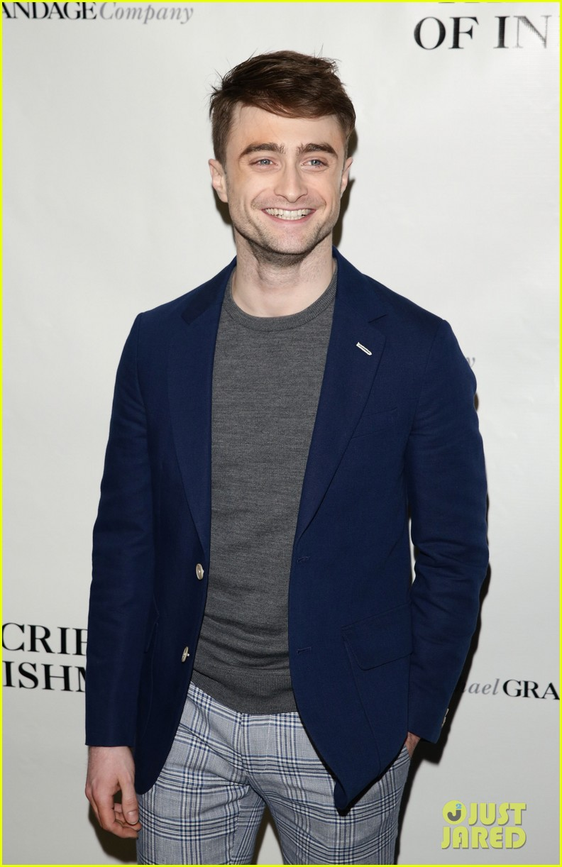 daniel radcliffe receives rave reviews in cripple of inishmaan 07