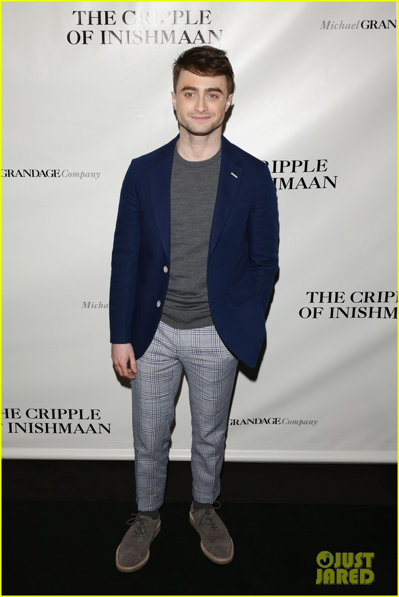 daniel radcliffe receives rave reviews in cripple of inishmaan 10