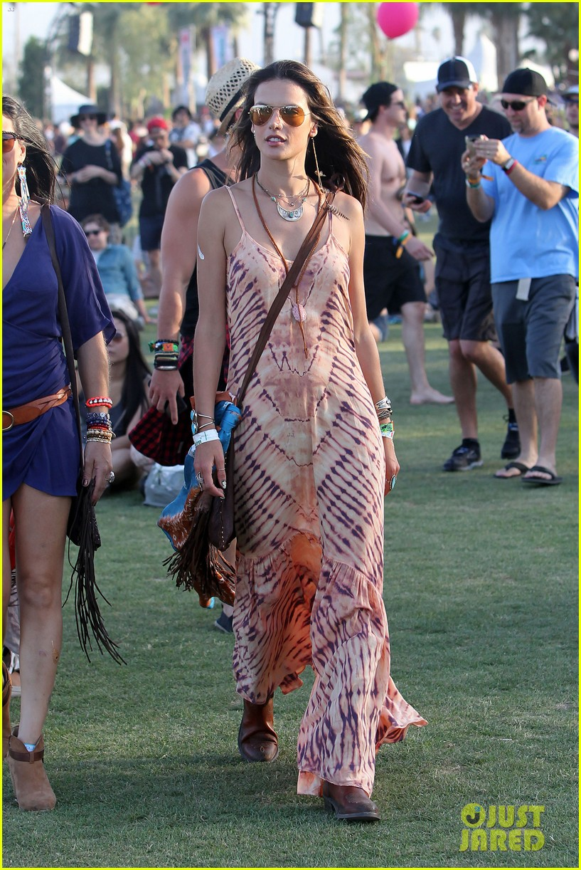 rosie huntington whiteley alessandra ambrosio coachella day three 07