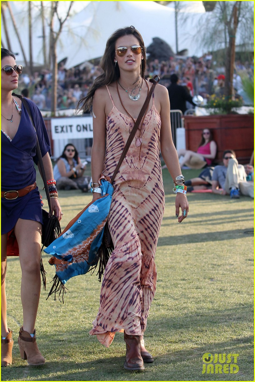 rosie huntington whiteley alessandra ambrosio coachella day three 17