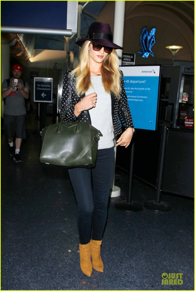 rosie huntington whiteley celebrate 27th birthday at lax 223094892