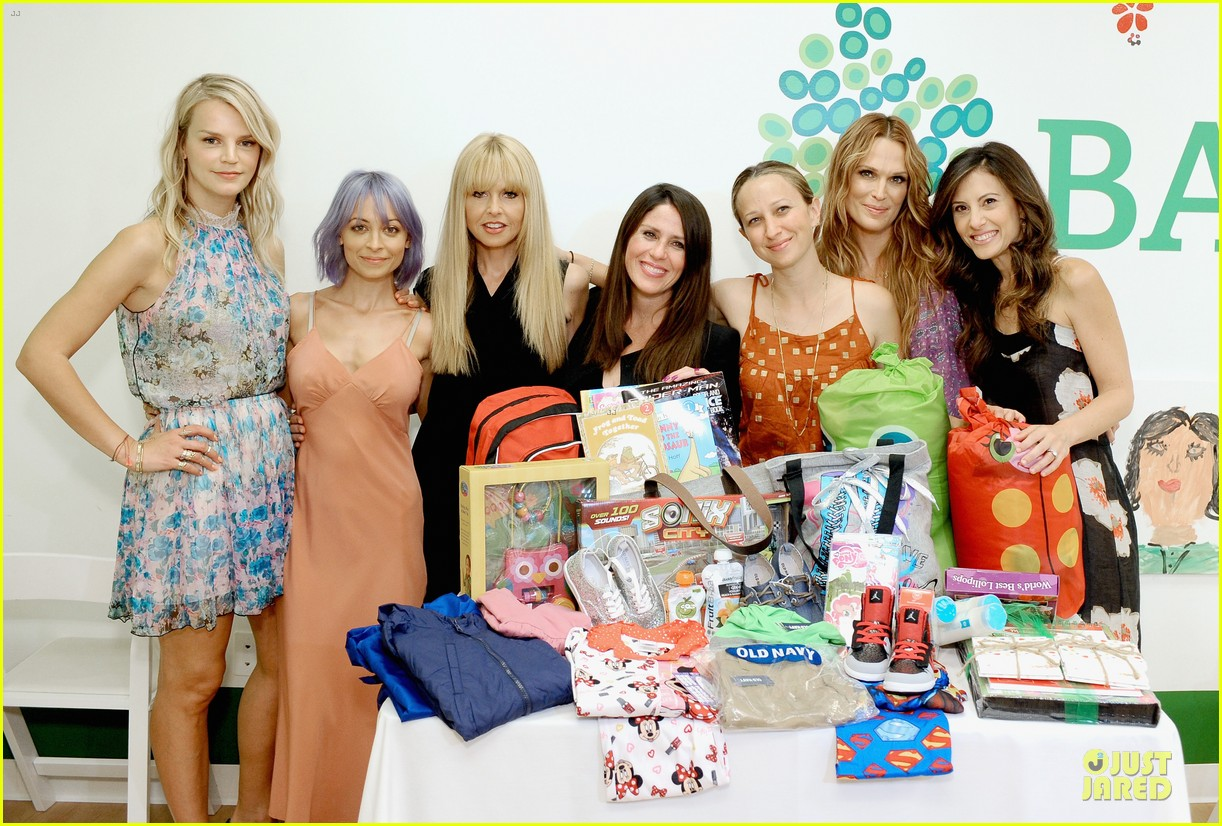 nicole richie baby mother day celebration 08