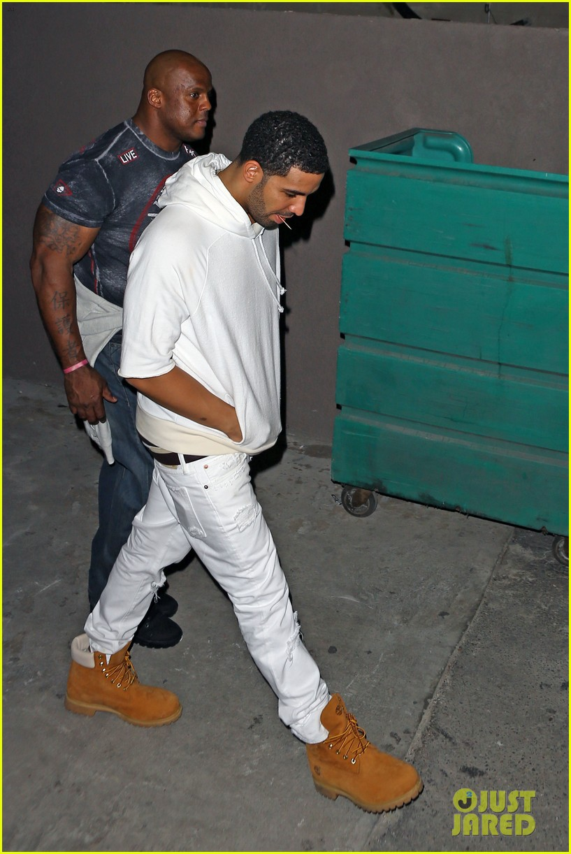 rihanna night out with drake at supperclub 12