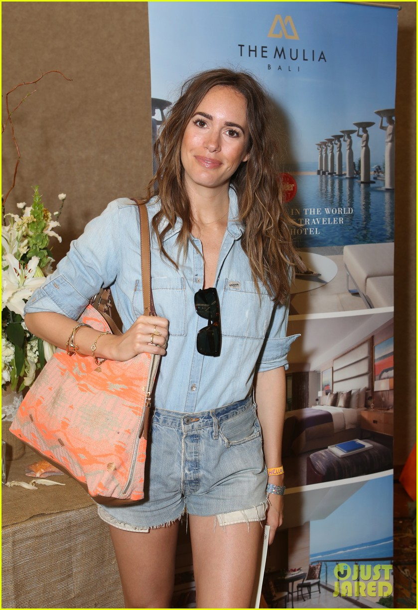 riley keough grabs lots of goodies at coachella lounge 2014 02