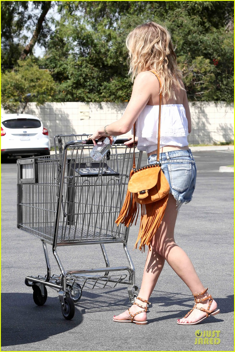 leann rimes daisy dukes get us excited for summer 233087206