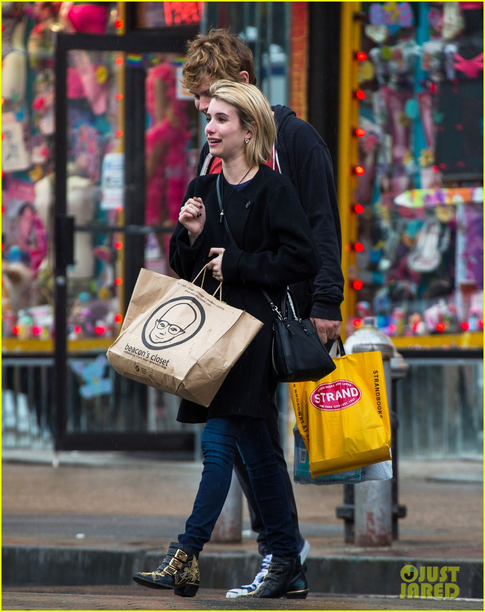emma roberts evan peters look so in love in new york city 06