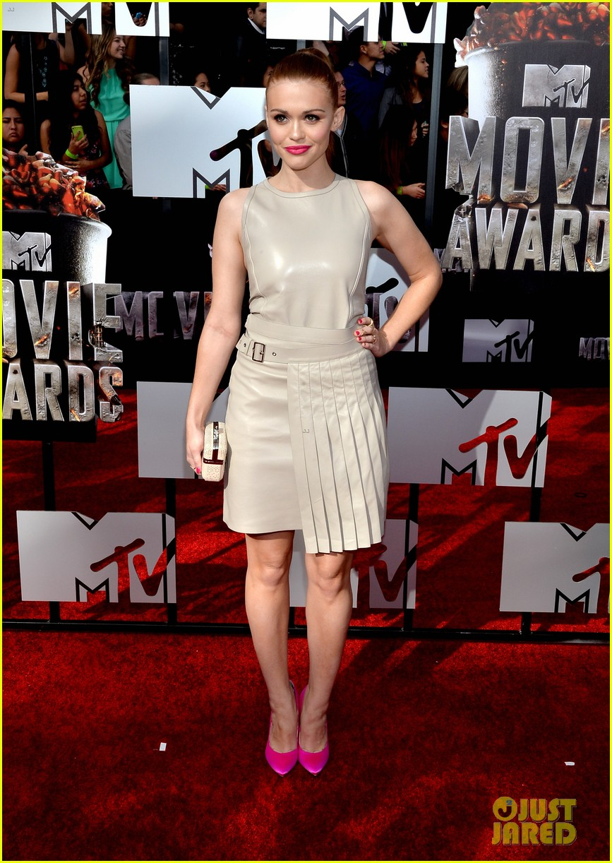 holland roden arden cho mtv movie awards 2014 063091157