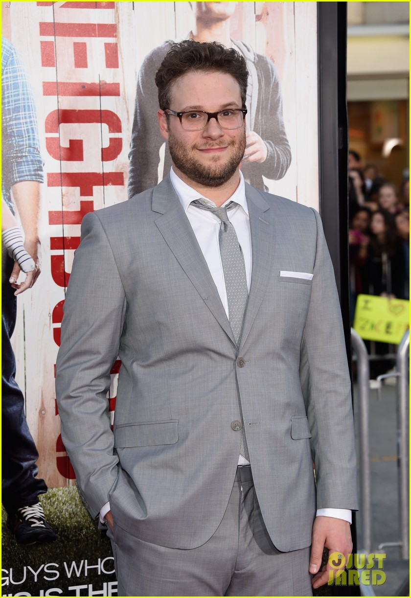 seth rogen dave franco neighbors premiere with halston sage 073101156