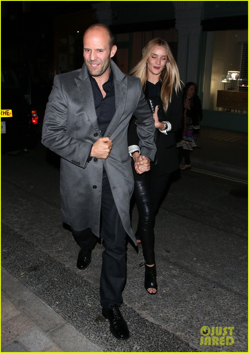 rosie huntington whiteley jason statham london backseat smooches 05