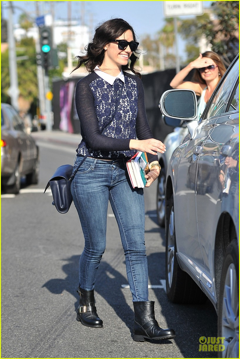 emmy rossum beautiful brainy book worm 08