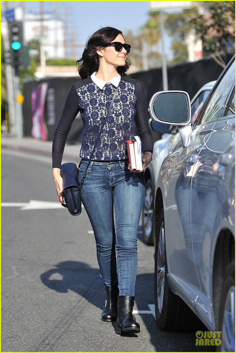 emmy rossum beautiful brainy book worm 13