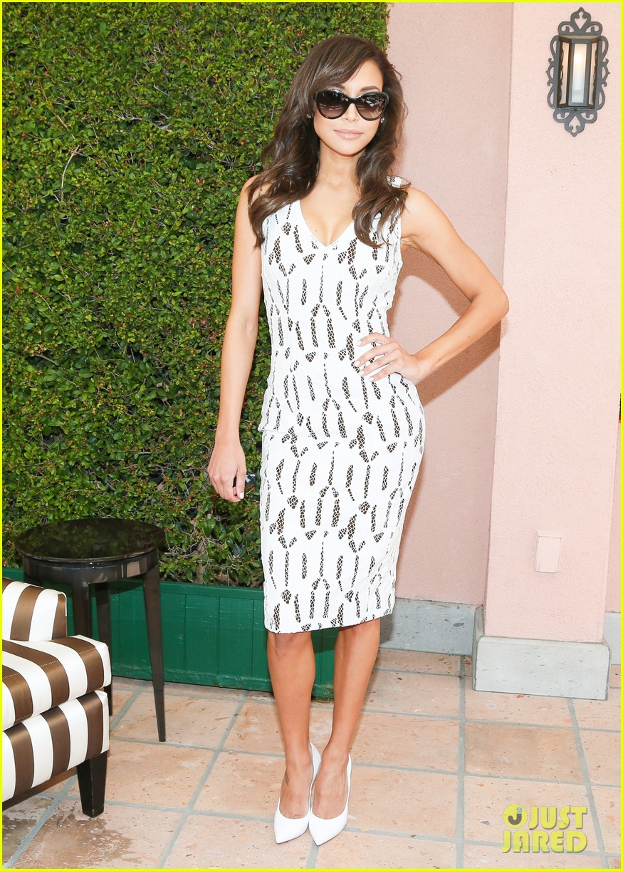 emmy rossum naya rivera carolina herrera luncheon 01