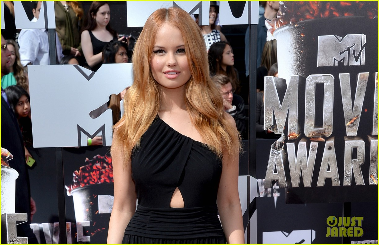 debby ryan rocks one shoulder look at mtv movie awards 2014 02