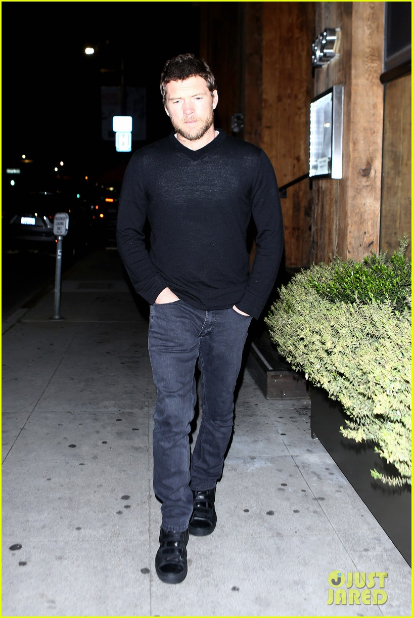 sam worthington lands next new movie role in jennifer anistons cake 013083821