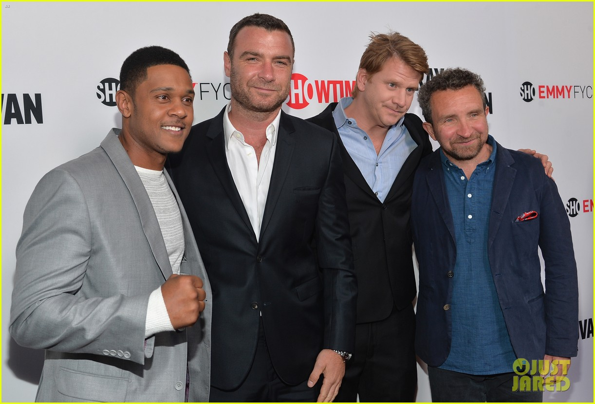 liev schreiber reunites with ray donovan cast at exclusive screening 083101495