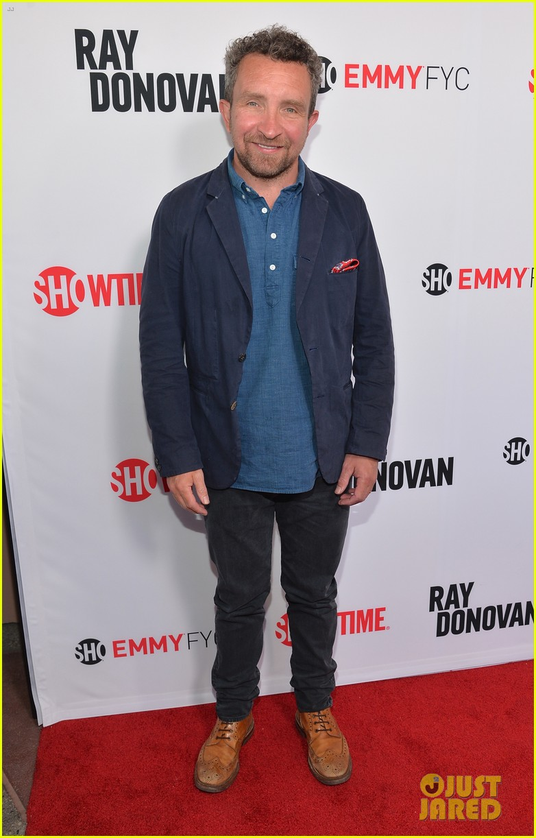 liev schreiber reunites with ray donovan cast at exclusive screening 24