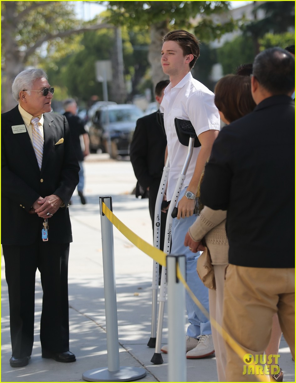 patrick schwarzenegger crutches easter sunday 08