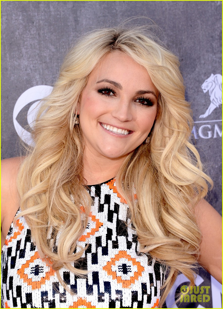 jamie lynn spears new hubby jamie watson are picture perfect at acm awards 2014 04