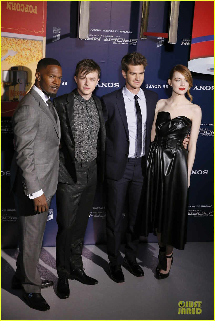 emma stone andrew garfield amazing spiderman paris premiere 033089217